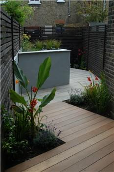 design for a very narrow london garden